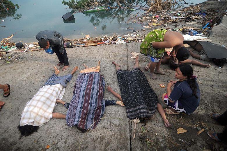 إندونيسيا مقبرة طبيعية.. الحصيلة الجديدة للتسونامي المُدمر: 429 قتيلا!