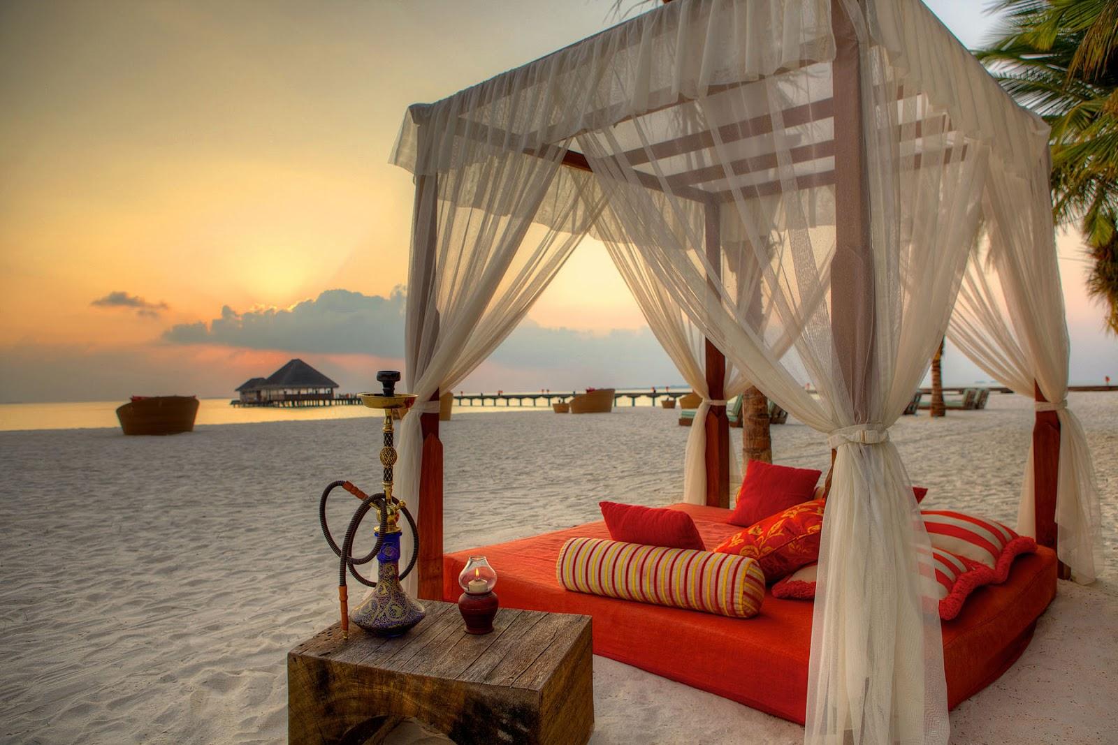 صور.. عرس مغربي تقليدي على شواطئ المالديف يثير  رواد التواصل الاجتماعي