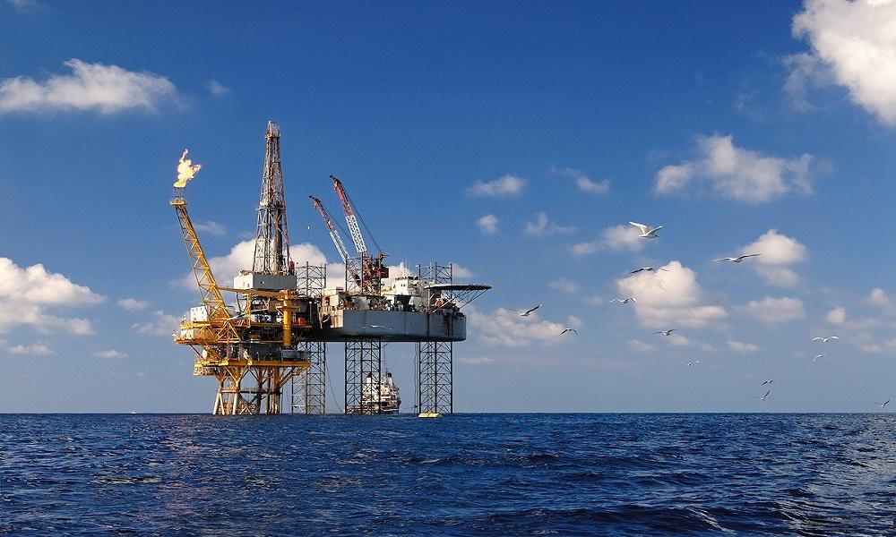 بعد خسائر هائلة في 2020.. مجموعات النفط الكبرى تعود لتحقيق الأرباح