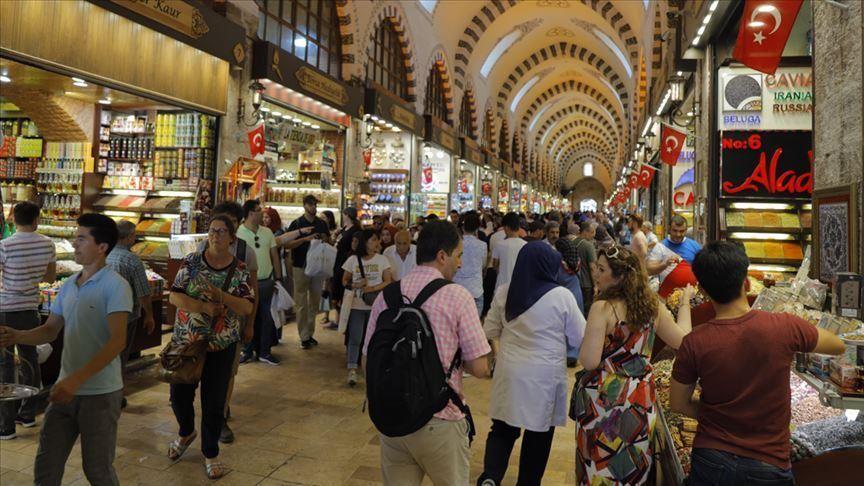 أبرزهم سياح الصين وإسرائيل. شغف الأجانب بالتسوق في تركيا.. متعة لا تنتهي