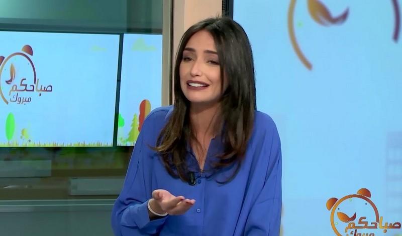 ممثلة مغربية تفضح مخرجاً هددها بعلاقاته مع الملك بعدما تنكر لإبنتها