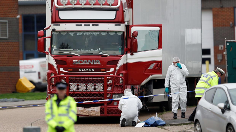 هولندا. العثور على 25 مهاجرا داخل شاحنة مبردة على متن سفينة