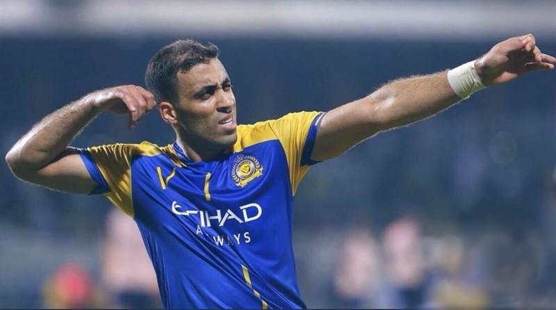 'القرش' حمدالله يتربع مجددا على عرش الكرة السعودية بهدفه الـ100 مع النصر