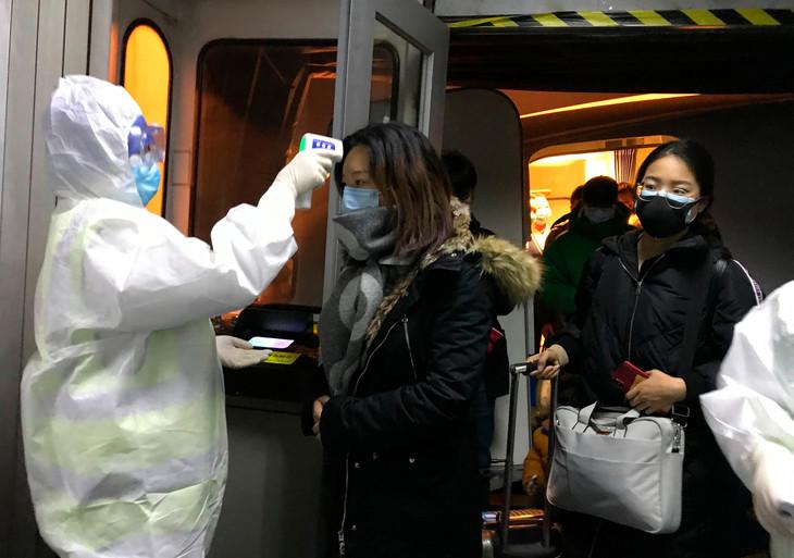 """اعترضت عليها اليابان.. الصين: الفحوص الشرجية لكورونا """"أكثر فعالية"""""""