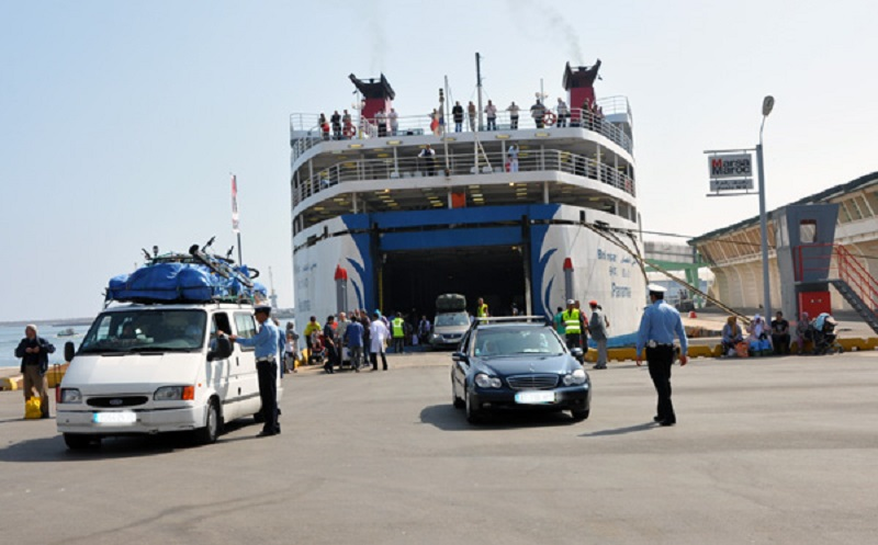 بالفيديو. سلطات ميناء طنجة تمنع مغاربة إيطاليا من العبور بسبب كورونا