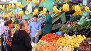 تطمينات رسمية للمغاربة: الأسواق مزودة جيداً بكل مواد التعقيم والتغذية والطاقة