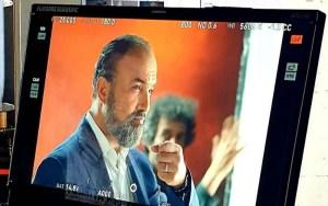 بالفيديو.رشيد الوالي يصطدم بصعوبات جمّة لتصوير فيلمه 'الطابع' بفرنسا