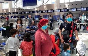 مغاربة العالم يواصلون رحلات العودة.. 278 مغربياً من عمان وقطر والأردن يعودون للوطن
