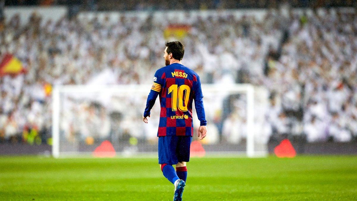 ميسي يصعد ضد برشلونة. ويبلغ الادارة بعدم اجرائه للفحوصات الطبية