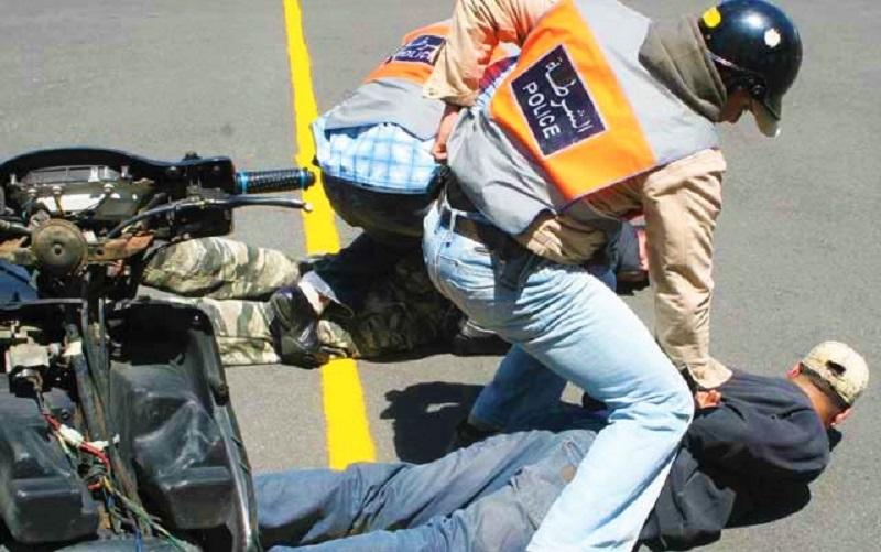 """عرّض أمن المواطنين للخطر.. الرصاص يلعلع بـ""""كازا"""" لتوقيف عشريني مسلح"""