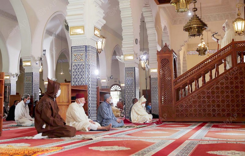 هكذا عادت نفحات الجمعة لمساجد المملكة.. وخطيب الرباط: بيوت الله منبع للخير كله