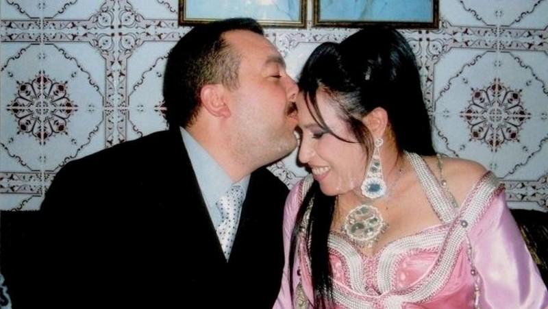 بعدما نفى مراد حادري الأمر.. هل قامت نجاة عتابو بتطليق زوجها دون علمه!!