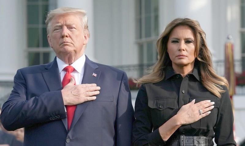 أمريكا تضع يدها على قلبها.. إصابة ترامب وزوجته بكورونا ويدخلان معاً الحجر الصحي