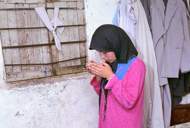 الأوائل عربياً. المغربيات الأكثر لجوءً للصلاة خلال أزمة كورونا من الرجال