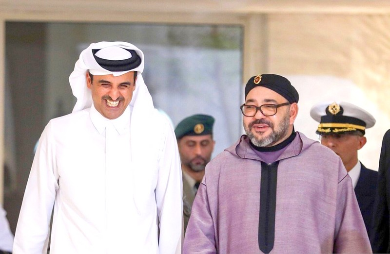 في رسالة لـ'تميم آل ثاني'. الملك يعلن تقوية العلاقات واستمرار التعاون بين الرباط وقطر