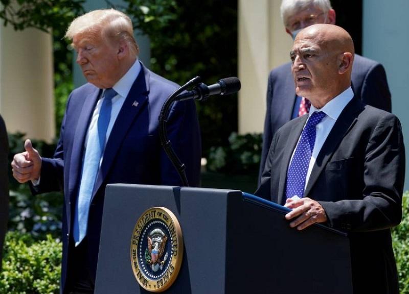 بطلب من بايدن.. منصف السلاوي يستقيل من رئاسة برنامج التلقيح الأميركي