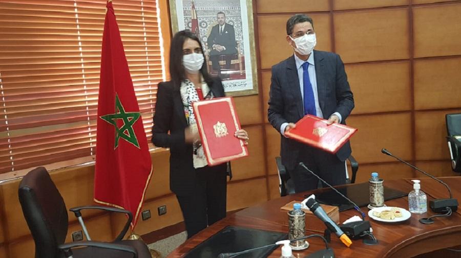 عبد النباوي وفتاح العلوي يوقعان دورية حول تحقيقات حوادث الطيران المدني