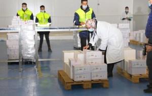 المغرب يتسلم نصف مليون جرعة من اللقاح الصيني وهذا موعد توزيعه على الجهات