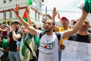 """منظمة جزائرية:على عسكر """"تبون"""" الاعتراف بالفشل والكف عن فرض أجندته ضد إرادة الشعب"""