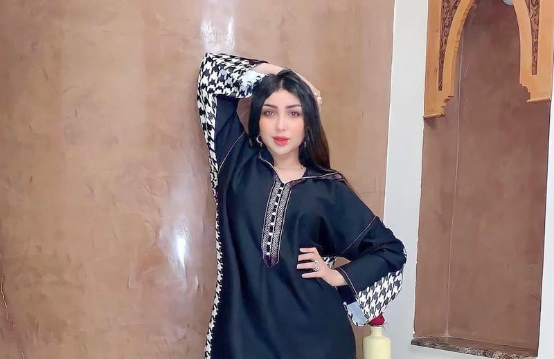 في عز أزمتها.. دنيا باطمة تغني لأجل والدتها تكريمًا لتضحياتها