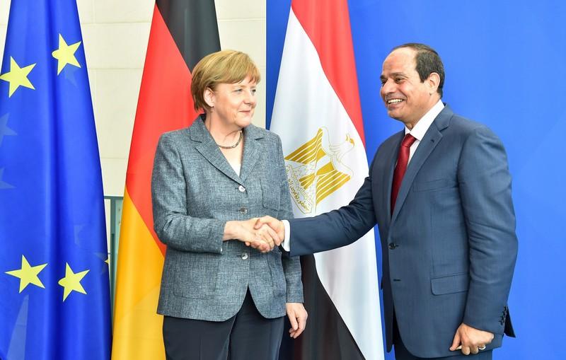 ألمانيا تعاقب جاسوساً مصرياً كان يعمل في مكتب ميركل بالسجن 21 شهراً