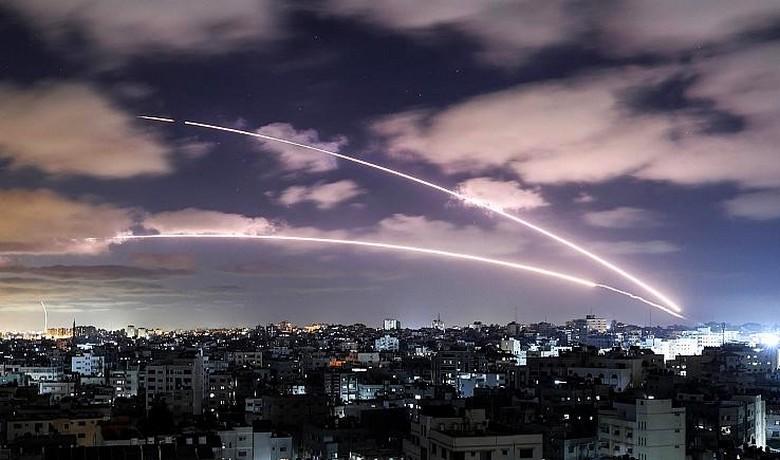 بعد 11 يوماً من التصعيد والدماء.. إسرائيل والمقاومة توافقان على وقف لإطلاق النار