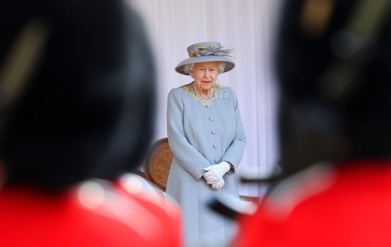 بعد شهرين من وفاة زوجها.. ملكة بريطانيا إليزابيث الثانية تحتفل بعيد ميلادها الـ95