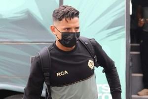 بعثة الرجاء تغادر نحو مصر لمواجهة بيراميدز بـ 22 لاعبا