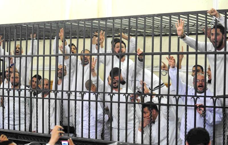 اعتصام رابعة.. القضاء المصري يؤيد إعدام 12 من قيادات الإخوان المسلمين