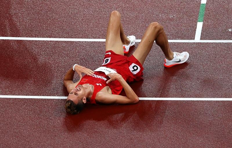 أولمبياد طوكيو | سفيان البقالي يحرز الميدالية الذهبية لسباق 3000م موانع