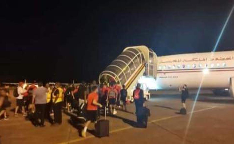 بعثة المنتخب الوطني تصل بسلام إلى العاصمة الرباط