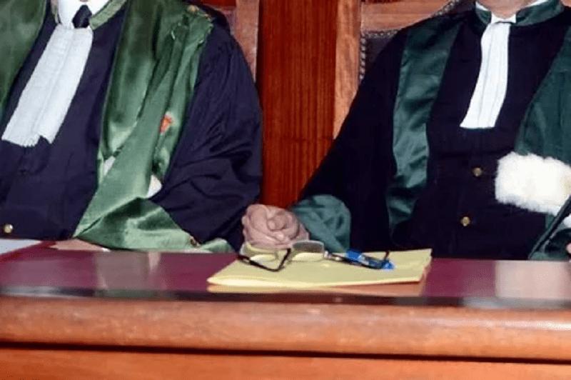النيابة العامة بالبيضاء تنفي ضبط مسؤول قضائي رفقة محامية في وضعية لا أخلاقية
