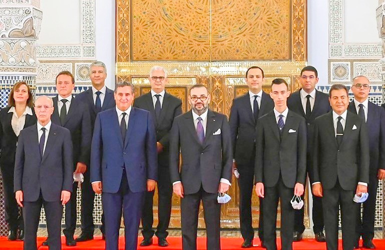هكذا استمدت حكومة أخنوش خصائص الحكومات الديمقراطية في العالم.. فماذا ينتظرالمغاربة منها؟