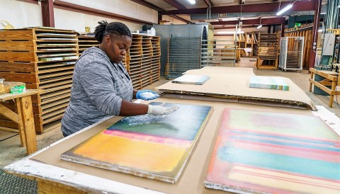 Shadow Catchers works with about 15 artists and 40 art publishing companies. (Mark Sandlin / Alabama NewsCenter)