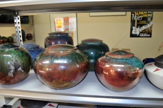 Daniel Livingston Studios produces pottery in the raku style. (Michael Tomberlin / Alabama NewsCenter)
