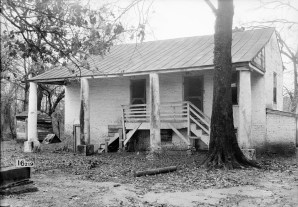 Magnolia Grove, slave quarters, 1934. (Photograph by Alex Bush, HABS, Library of Congress Prints and Photographs Division)