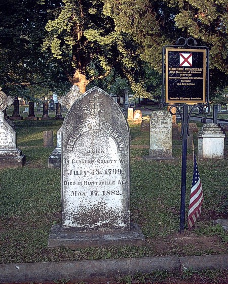 Gravesite of Gov. Reuben Chapman, 2004. (Graveaddiction, Findagrave.com)