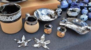 Wendy Conover draws inspiration from nature in creating her Bluefire Stoneware pottery. (Michael Tomberlin / Alabama NewsCenter)