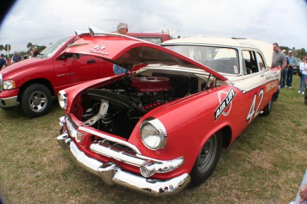 Photograph of Lee Petty's Dodge Coronet taken at the 2008 Daytona Speedweek. (Freewheeling Daredevil, Wikipedia)