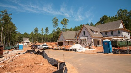 Construction continues on several homes in the new Smart Neighborhood in Auburn. (Dennis Washington / Alabama NewsCenter)