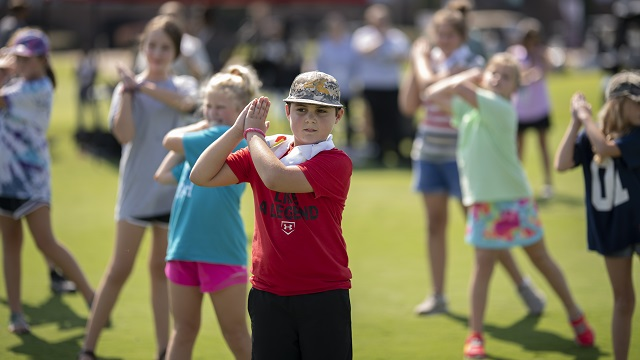 Female golfers give Alabama kids lessons in the game and in life