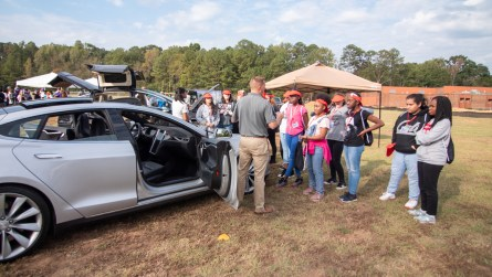 Students learn about electric vehicles. (Dennis Washington / Alabama NewsCenter)