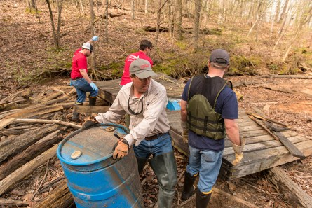 Renew Our Rivers cleanups draw substantial numbers of Alabama Power Service Organization volunteers. This week is the Southern Company System Week of Service. (file)
