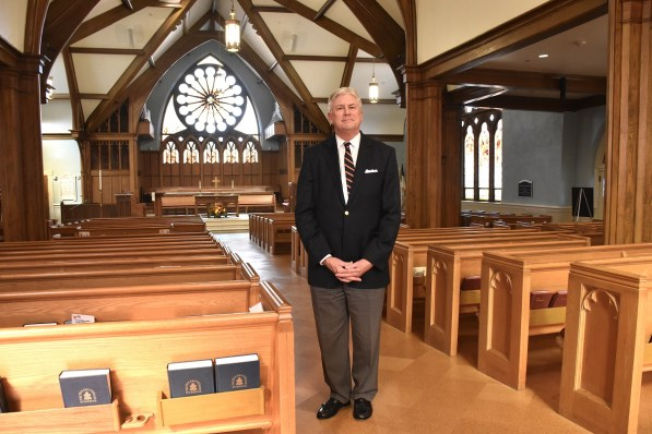 Pastor Ed Hurley welcomes people from a dozen churches and two Jewish temples to South Highlands Presbyterian for the annual Community Thanksgiving Service. (Karim Shamsi-Basha/Alabama NewsCenter)