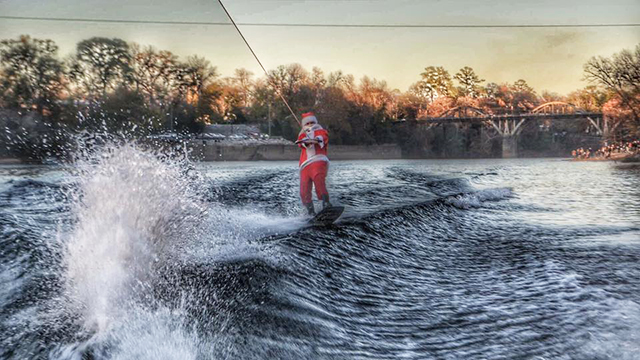 Can't Miss Alabama celebrates the season at Christmas on the Coosa