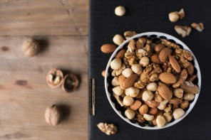 Nuts are a good snack when counting calories. (Getty Images)