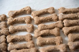 CahaBones are handmade using natural ingredients. (Brittany Dunn / Alabama NewsCenter)