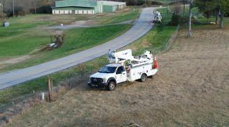 Alabama Power crews work to restore the remaining customers still without power. (Jay Parker / Alabama NewsCenter)