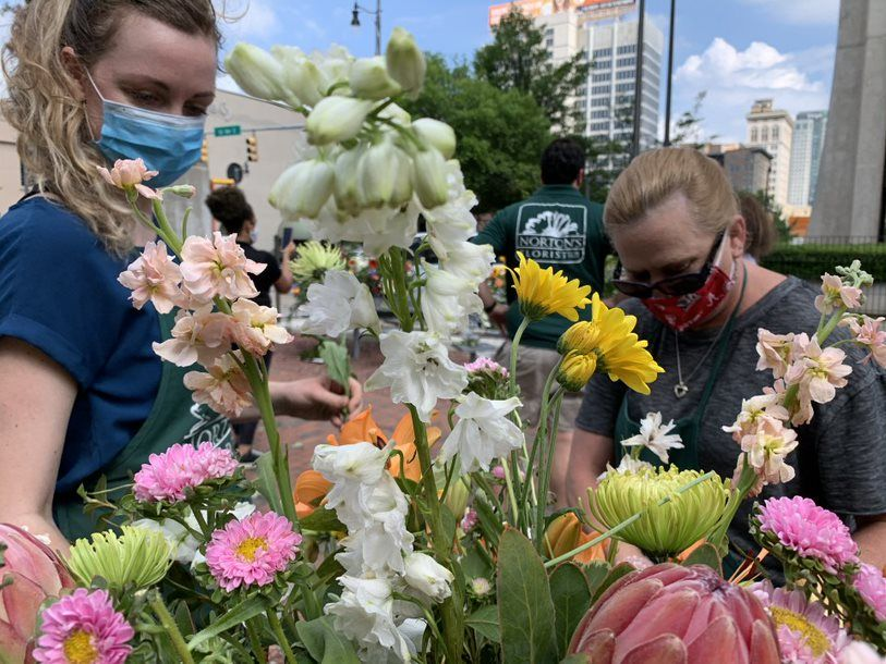 Hundreds of blooms decorate the Birmingham Rotary Trail. (Ike Pigott/Alabama NewsCenter)