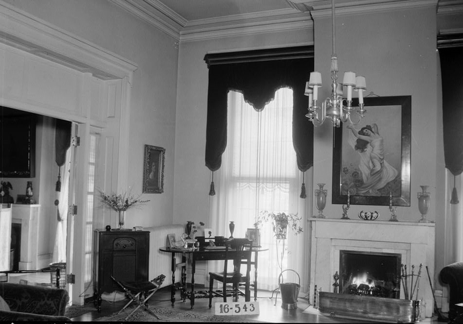 Varner Alexander House  old photographs      built by pioneer William     W  N  Manning  Photographer  March 30  1934  Living room     Old Montgomery  Road  Institute Road   Tuskegee  Macon County  AL